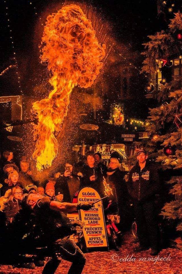 Feuerkünstler_Feuershow_Eventzauber-Nord_Eventagentur1